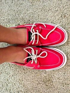 I want these! great spring color sperrys