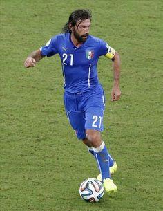 FIFA World Cup 2014 - Italia supera 2 1 a Inglaterra, en partido jugado en la selva amazónica. Fotos