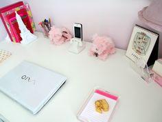 Girly Desks pretty desk decorations #hdcathome | home decor | pinterest