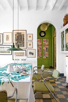 Keltainen talo rannalla: Värikästä, boheemia ja vintagea