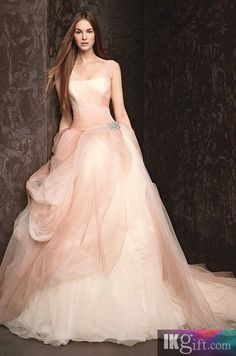 Elegant Hot Sale Sweetheart Ruffle with Tulle Ball Gown with Pick Up Skirt