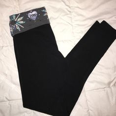 Victoria's Secret PINK - Yoga Leggings - XS There's nothing wrong with these, I just have too many pairs in my closet. They are full length leggings. No trades, feel free to ask questions or make an offer! PINK Victoria's Secret Pants Leggings