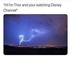 Thor and Disney Channel Great mix lol 😂 Funny Marvel Memes, Marvel Jokes, Dc Memes, Avengers Memes, The Avengers, Thor Meme, Nerd Memes, Superhero Memes, Fandom Memes