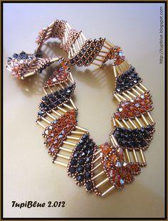 La pasión de TupiBlue: Collar Nefertari - pinned here for the exquisite use of bugle beads!