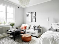 Decorating studio apartment decoration art best small space living images on home ideas small spaces and . Studio Apartment Layout, Studio Layout, Studio Apartment Decorating, Apartment Interior, Small Apartment Living, Small Space Living, Small Apartments, Small Spaces, Appartement Design Studio