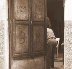 """""""Non so come andasse, ma il fatto gli è che un bel giorno questo pezzo di legno capitò nella bottega di un vecchio falegname, il quale aveva nome mastr'Antonio, se non che tutti lo chiamavano maestro Ciliegia, per via della punta del suo naso, che era sempre lustra e paonazza, come una ciliegia matura."""" #Collodi"""