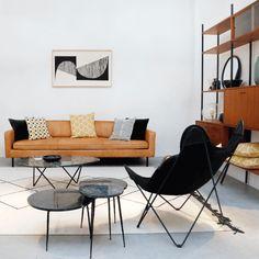 DeGordon cognaclederen sofa van Furnified is ontzettend stoer, comfortabel én mooi.Deze design zitbank is gemaakt uit hoogwaardig anilineleer, een leersoort gekleurd in een natuurlijk verfbad en afgewerkt met een soepele beschermlaag.