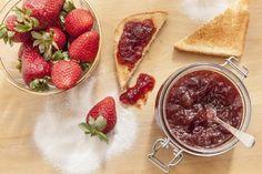 12 receitas de doces de morango para aproveitar a época da fruta