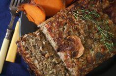 Plumcake di riso e funghi alle erbe, nutriente e aromatico, da accompagnare con verdure di stagione. Un piatto unico originale, che vi stupirà per la sua bontà. http://lifeg.at/1g5Kk89