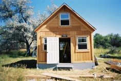 You Can Build This Tiny House for Less Than $2,000: The Tiny Cabin Packs 400 Square Feet of Living Space