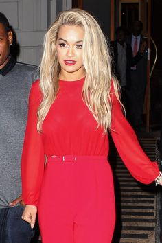 Rita Ora in shades of red Rita Ora, Anna Hendricks, Teased Hair, Oval Face Hairstyles, Oras, Girl Crushes, Lady In Red, Look, Celebrity Style