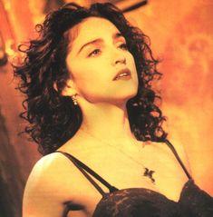 Resultado de imágenes de Google para http://2a56b976980e0793ddee-5cc5435fcbc367bb03f9a415e7067a97.r91.cf2.rackcdn.com/wp-content/uploads/2010/04/Madonna_Like-A-Prayer.jpg