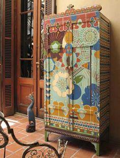 Decorar los muebles con pintura