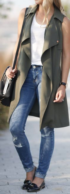 Sleeveless trench vests are so chic!
