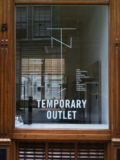 Tenue de Nîmes / #typography #signage / Joachim Baan