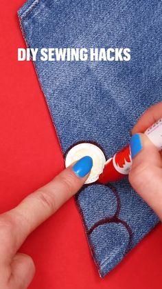 Sewing Basics, Sewing Hacks, Sewing Tutorials, Sewing Crafts, Diy Clothes Hacks, Clothing Hacks, Sewing Stitches, Sewing Patterns, Diy Fashion Hacks