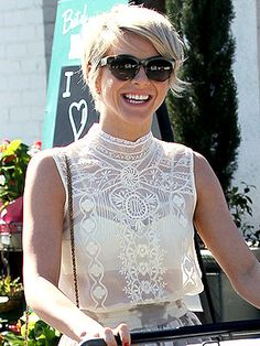 Julianne Hough Hoped to Stay Single for a Year Hair Lights, Light Hair, Short Thin Hair, Short Hair Cuts, Short Hair Styles, Short Pixie, Short Hairstyles Over 50, Cool Hairstyles, Julianne Hough Short Hair