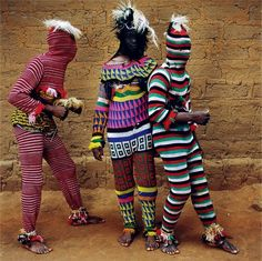 Beautiful photographs by Phyllis Galembo. These are reflection of the ritual adornment and spirituality of masquerade in Nigeria, Benin and Burkina Faso in West Africa. I love the juxtaposition of colors, textures and patterns. African Masks, African Art, African Colors, African Patterns, African Style, Costume Halloween, Folk Costume, Boogie Monster, Arte Tribal
