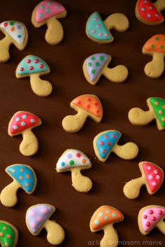 masam manis: BISKUT RAYA icing cookie mushroom