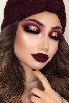 We have picked the freshest winter makeup looks for babes who wish to look totally glam disregarding the weather or occasion. Totally worth seeing! #makeup #makeuplover #makeupjunkie #makeupideas