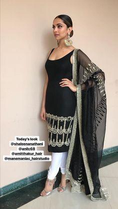 Kurti Designs Party Wear, Kurta Designs, Blouse Designs, Indian Attire, Indian Ethnic Wear, Ethnic Fashion, Asian Fashion, Indian Dresses, Indian Outfits