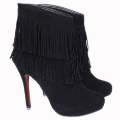 Christian Louboutin Fringe Suede Ankle Boots Black is famous for its sexy and gorgeous design.With it,anywhere you go,you will be the remarkable focal point among the crowd.It's your best choice to exhibit your beauty.  Christian Louboutin Fringe Suede Ankle Boots Black is the most fashionable pattern which must be your favorite shoes for this summer.Now we are providing you the reasonable price and best serives.Shttp://www.myclsale.com