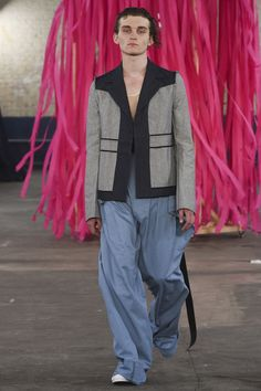 MAN Spring 2018 Menswear Collection Photos - Vogue