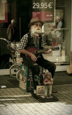 31-8-2013 street music in Germany