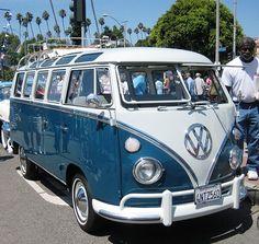 Classic, and beautifully kept, Combi Van - Love Cars & Motorcycles Volkswagen Bus, Beetles Volkswagen, Volkswagon Van, Bus Camper, Vw Caravan, Vans Surf, Vans Vw, Combi Vw T2, Combi Ww