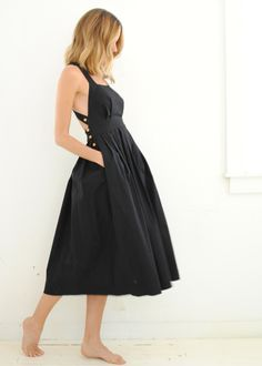 Little Black Dress : Black Traveling Pinafore Dress Electric Feathers Outfit Trends, Dress Sewing Patterns, Linen Dress Pattern, Pinafore Dress Pattern, Skirt Sewing, Pattern Sewing, Coat Patterns, Mode Inspiration, Fashion Inspiration