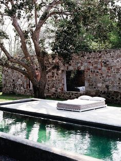 exterior / pool and comfy relaxing place Outdoor Pool, Outdoor Spaces, Outdoor Gardens, Outdoor Living, Natural Swimming Pools, Garden Pool, Pool Designs, Beautiful Space, House Beautiful