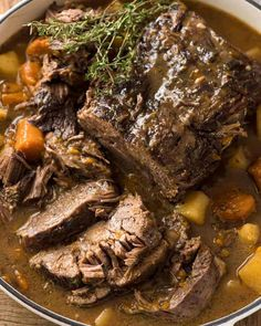 Sunday Dinner Ideas - The ultimate one pot family meal - Slow Cooker Beef Pot Roast! Slow Cooker Recipes Family, Crock Pot Slow Cooker, Family Meals, Cooking Recipes, Crockpot Recipes, Game Recipes, Keto Recipes, Cooking Roast Beef, Gourmet