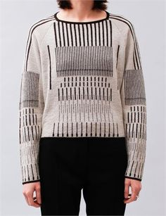 Graphic sweater with line pattern; linear fashion details // Christian Wijnants