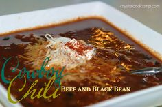 Do you have lots of family coming into town for the holidays? Need some crowd pleasing recipes that will stretch and feed many? This Texas Beef Council recipe, Cowboy Beef and Black Bean Chili, is . Chili Recipes, Slow Cooker Recipes, Mexican Food Recipes, Soup Recipes, Drink Recipes, Fall Recipes, Black Bean Chili, No Bean Chili, Recipes