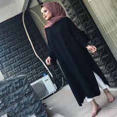 Abaya Fashion, Suit Fashion, Womens Fashion, Fashion Trends, Hijab Outfit, Hijab Niqab, Chic Outfits, Dress Outfits, Muslim Dress
