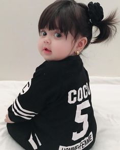 Pin by Faiza's Diary🌻 on lovely cute babies Cute Little Baby Girl, Cute Kids Pics, Cute Baby Girl Pictures, Little Babies, Happy Playlist, Cute Babies Photography, Cute Baby Wallpaper, Pretty Kids, Foto Baby