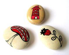 Conjunto de Tres Piedras Pintadas Piedras by MalenaValcarcel, €31.00