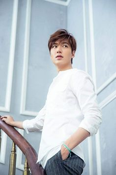 Lee Min Ho receives a price for its actions and charitable donations Boys Over Flowers, Flower Boys, Ji Chang Wook, Asian Actors, Korean Actors, Korean Actresses, So Ji Sub, Jun Matsumoto, Lee Min Ho Kdrama