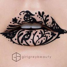 Dans la lignée des maquillages créatifs de Tal Peleg, voici aujourd'hui les créations de Lip Art de la maquilleuse canadienne Andrea Reed, aka Girl Grey B