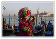 Maske mit Spiegelbild von Rupert Joseph