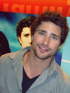 i think this is what you call 'casual sexy'  #Matt Dallas