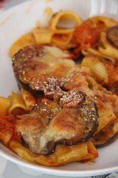 Pasta al forno con le melanzane Pizza, International Recipes, Ricotta, Lasagna, Italian Recipes, Pasta Recipes, Vegetarian Recipes, Pork, Meat