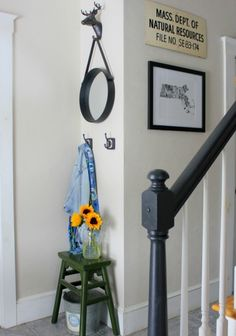 Neutral foyer eclecticallyvintage.com
