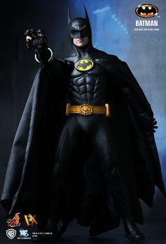 Hot Toys : Batman - Batman 1/6th scale Collectible Figure
