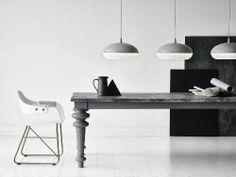 Lichtspiele - www.leuchtend-grau.de #Lamp #Interior #White #Grey #Minimalism