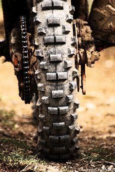 Daily Man Up Photos) - Suburban Men Dirt Bike Girl, Dirt Bike Racing, Dirt Biking, Auto Racing, Enduro Motocross, Enduro Motorcycle, Moto Bike, Girl Motorcycle, Motocross Photography