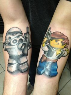Lego tattoo designs are fairly popular, they cover all areas from movies and video games to popular TV characters. See our favourite top 20 Lego designs! Tattoos Skull, Rose Tattoos, New Tattoos, Tatoos, Color Tattoos, Lego Tattoo, War Tattoo, Star Wars Tattoo, Tattoo Ink