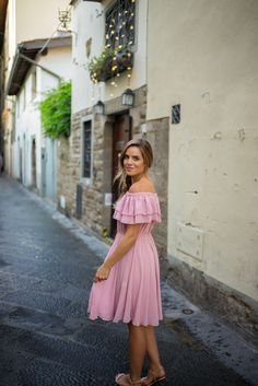 gal-meets-glam-pink-dress-italy36
