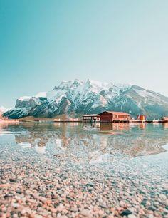 Lake Minnewanka, Alberta, Canada
