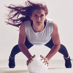 "Alex Morgan, ""Nike Women,"" photographed 2015 by Carlos Serrao Alex Morgan, Morgan Usa, Nike Workout, Workout Wear, Sport Fashion, Fitness Fashion, Allyson Felix, Good Soccer Players, Fitness Photoshoot"
